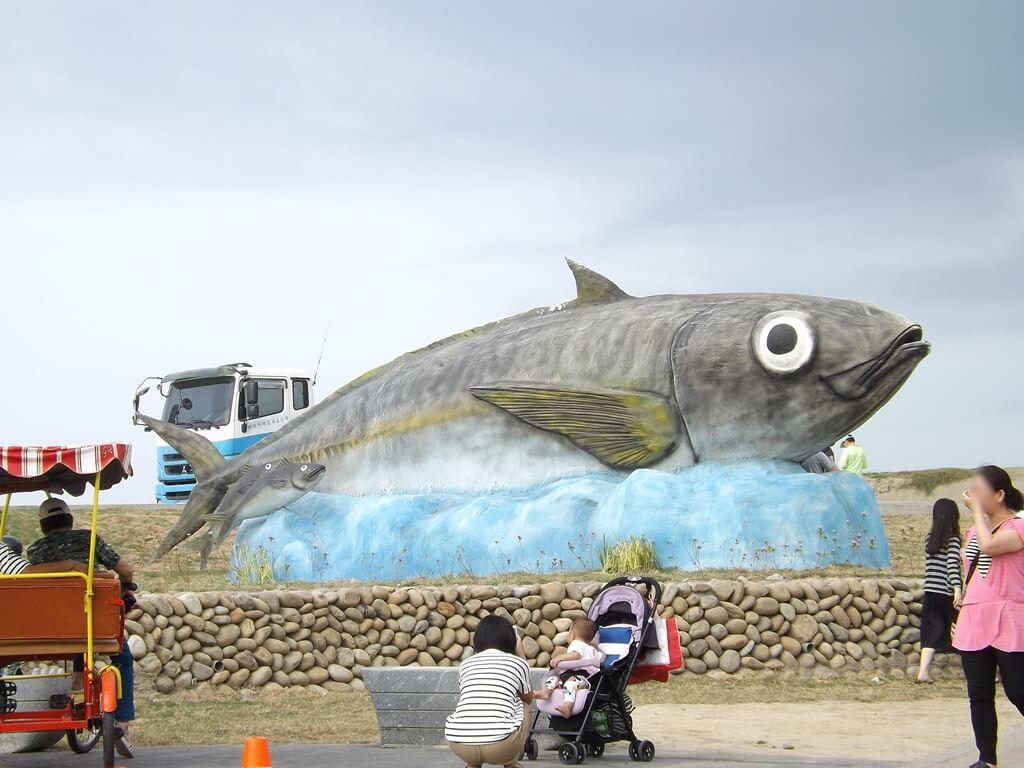 新竹南寮漁港的圖片:大魚造景