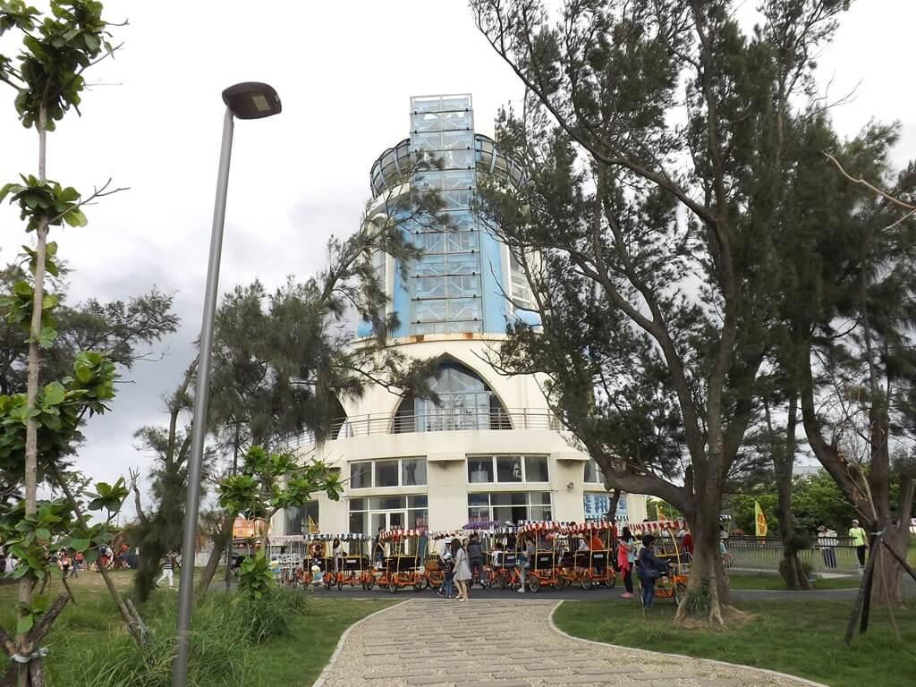 新竹南寮漁港的圖片:遊客服務中心的自行車出租處