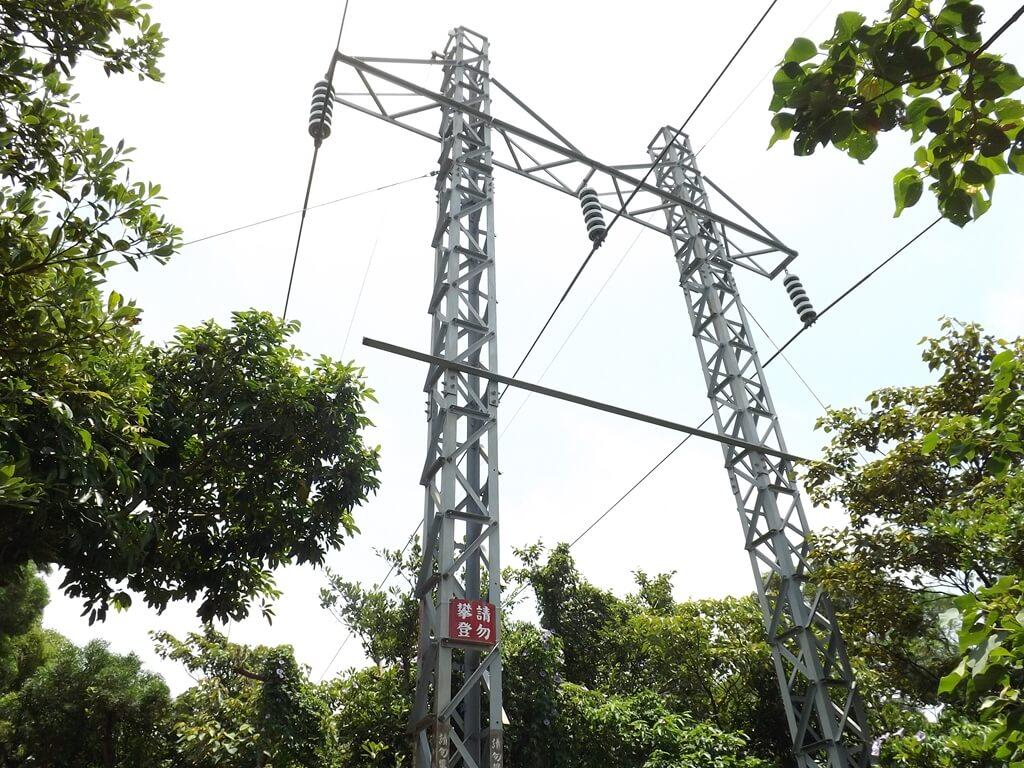 五酒桶山步道的圖片:高壓電塔