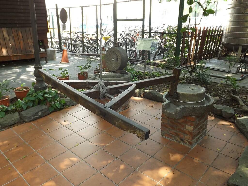 義美食品觀光工廠(義美食品生產.生態.生活廠區)的圖片:石磨