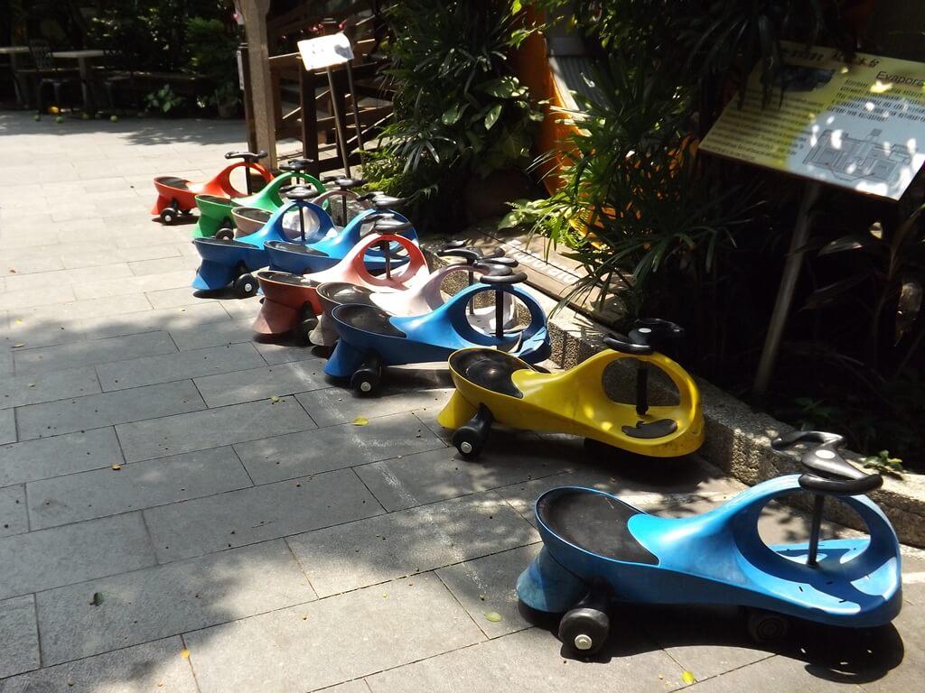 義美食品觀光工廠(義美食品生產.生態.生活廠區)的圖片:給小朋友玩的嚕嚕車