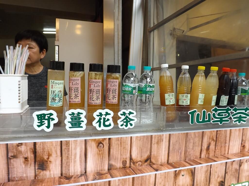 內灣老街的圖片:販售野薑花茶、仙草茶的商家