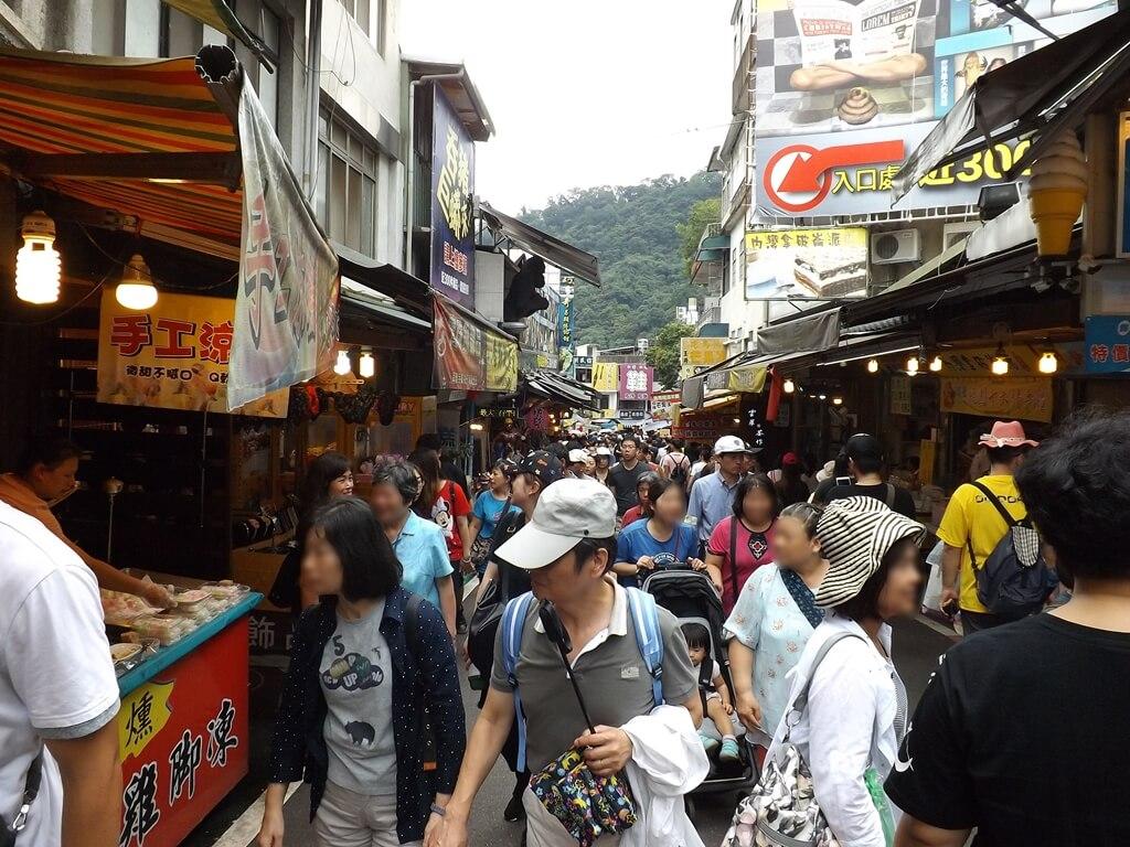 內灣老街的圖片:內灣老街中正路假日的遊客人潮