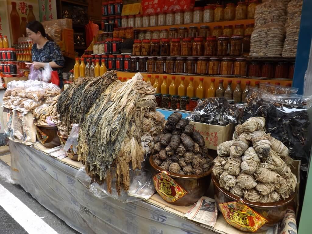 內灣老街的圖片:梅干菜、豆腐乳、金佶醬