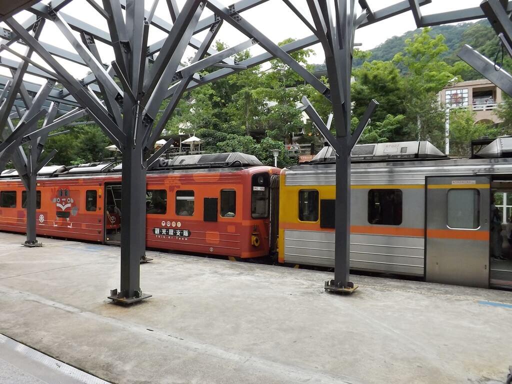 內灣老街的圖片:剛停車的觀光列車