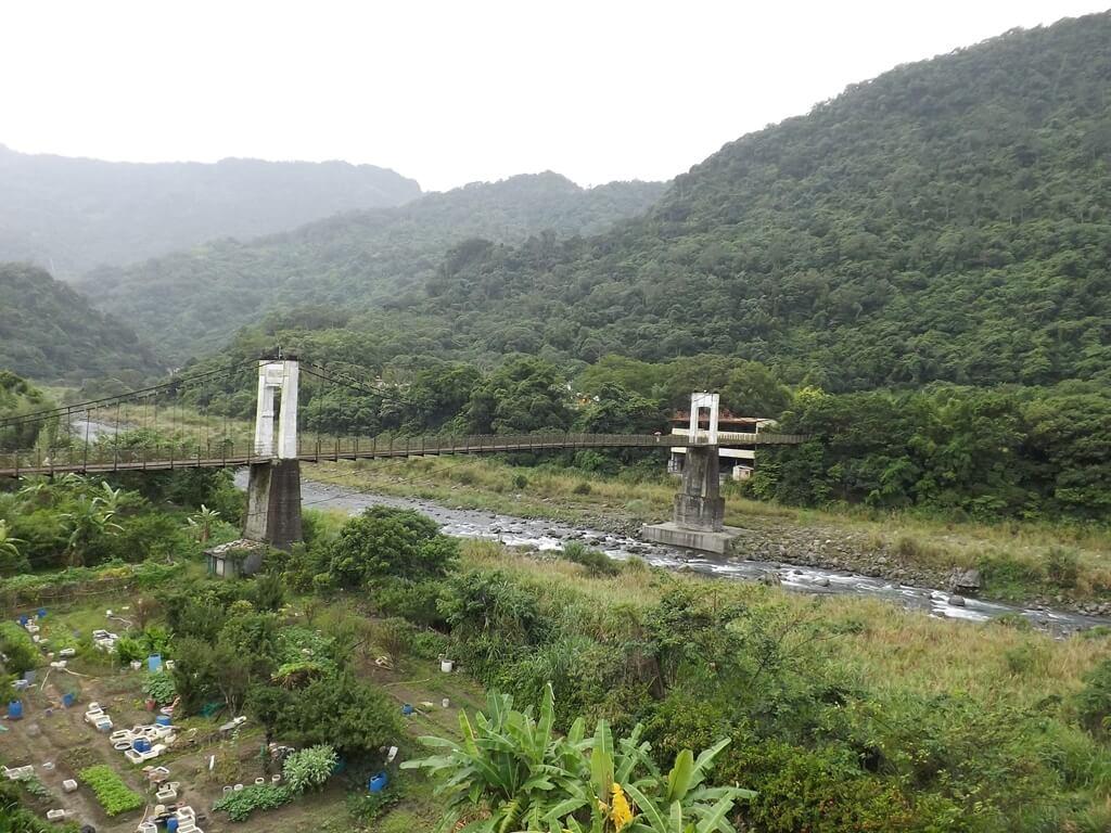 內灣吊橋的圖片:橫跨油羅溪的內灣吊橋