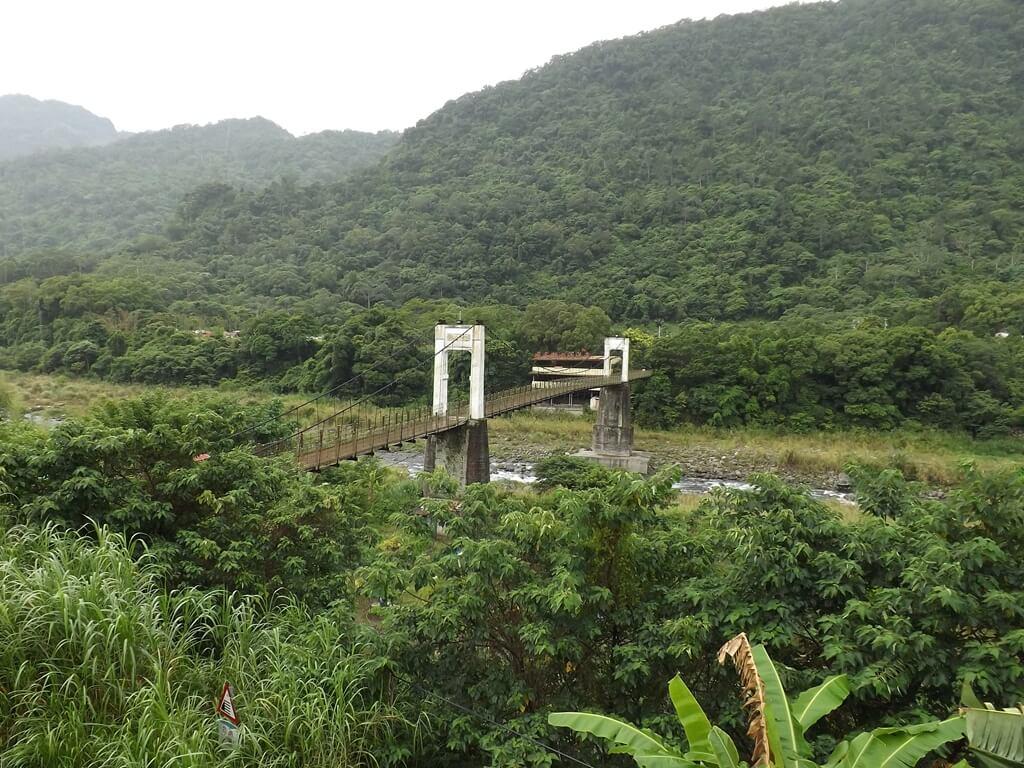 內灣吊橋的圖片:優美的內灣吊橋