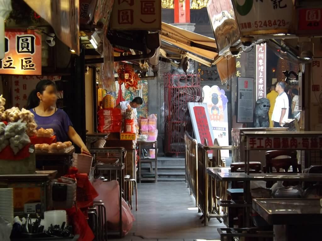 新竹都城隍廟的圖片:新竹城隍廟內的走道