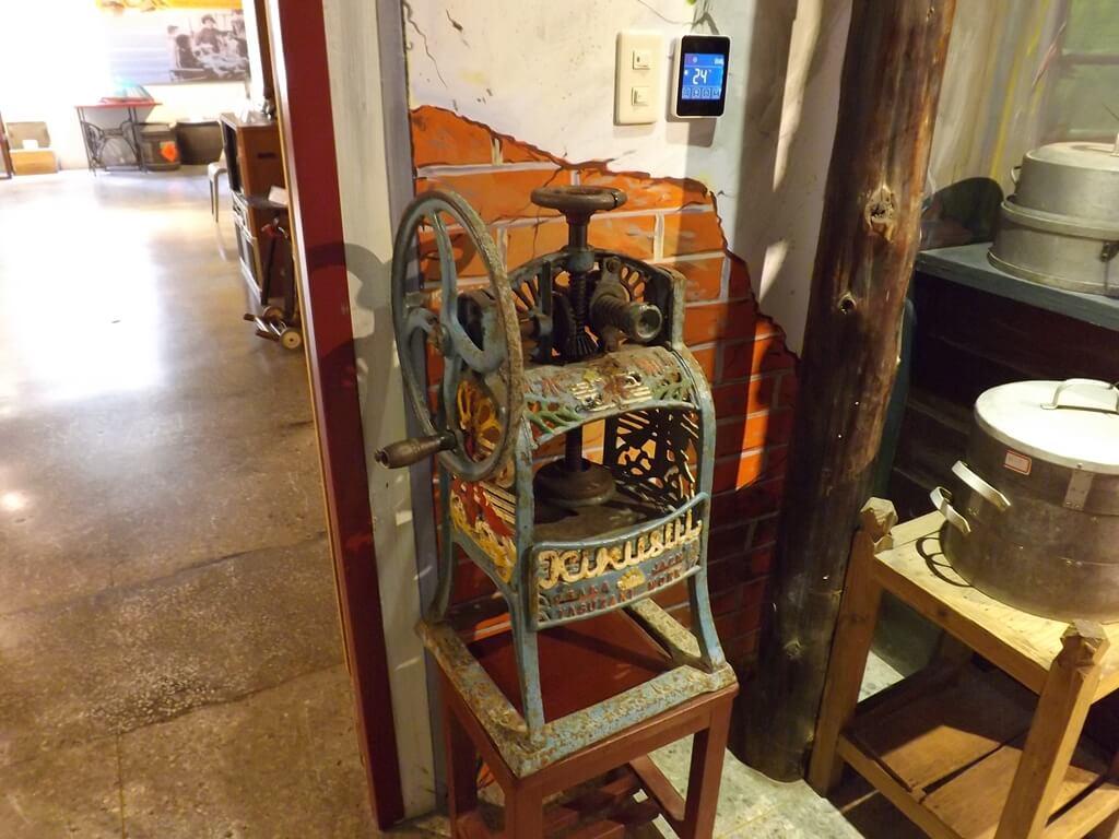 新竹市眷村博物館的圖片:老舊的手搖製冰機