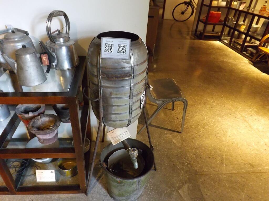 新竹市眷村博物館的圖片:金屬製的水桶