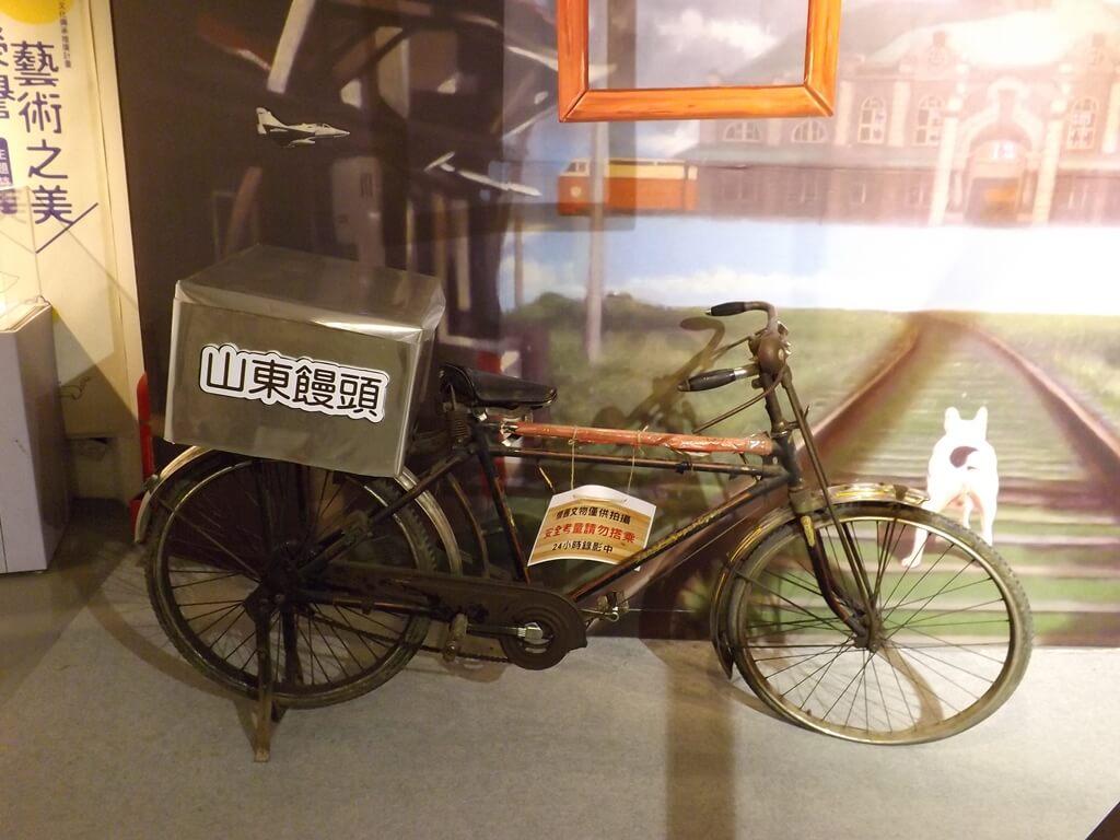 新竹市眷村博物館的圖片:舊時代的鐵馬,載著山東饅頭的腳踏車