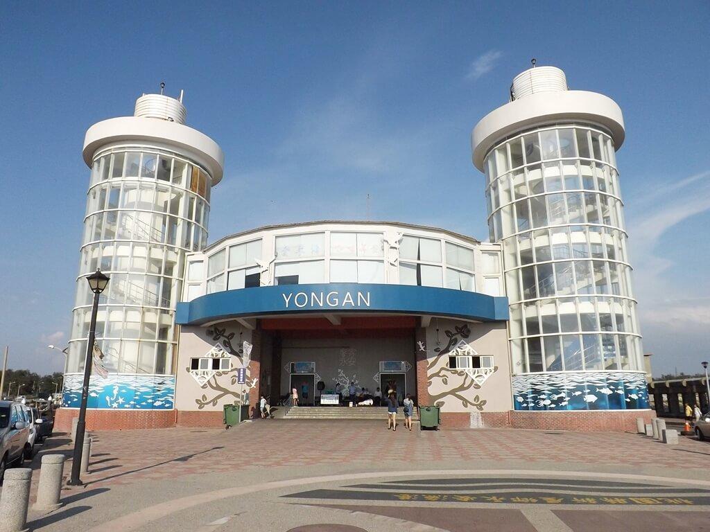 永安漁港的圖片:觀光漁市餐廳用餐區入口