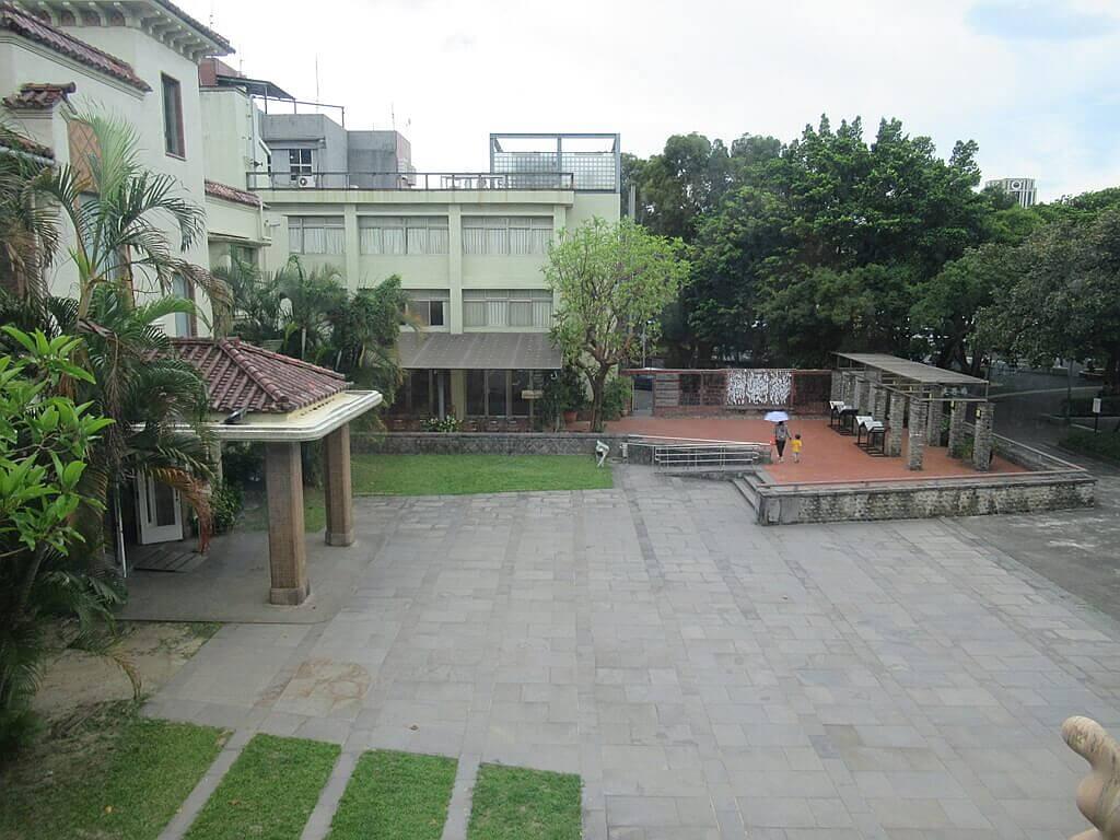 台北二二八紀念館的圖片:從二樓看紀念館前廣場