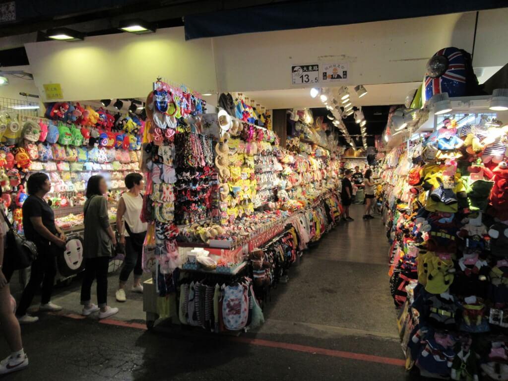 士林夜市的圖片:大東路13之5號的帽子飾品店