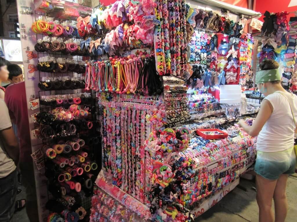 士林夜市的圖片:髮飾品店