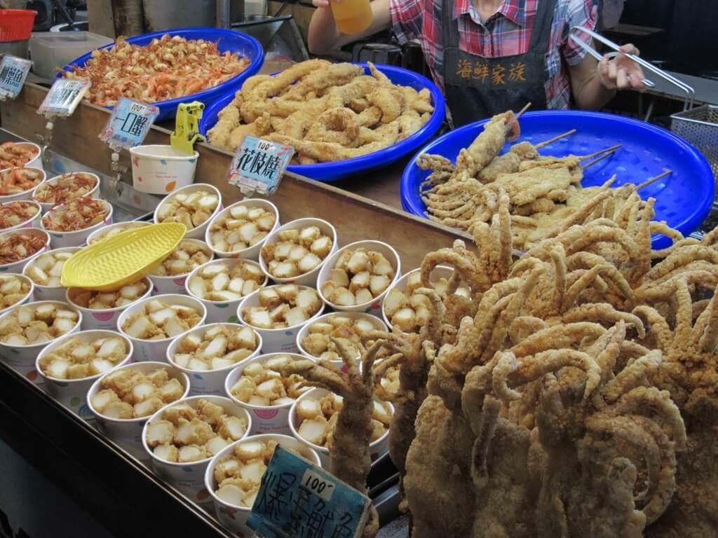 士林夜市的圖片:海鮮家族炸物專賣店,炸魷魚頭、花枝燒、一口蟹