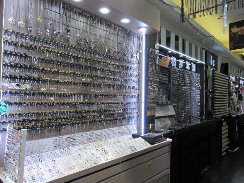 士林夜市的圖片:銀飾、戒指