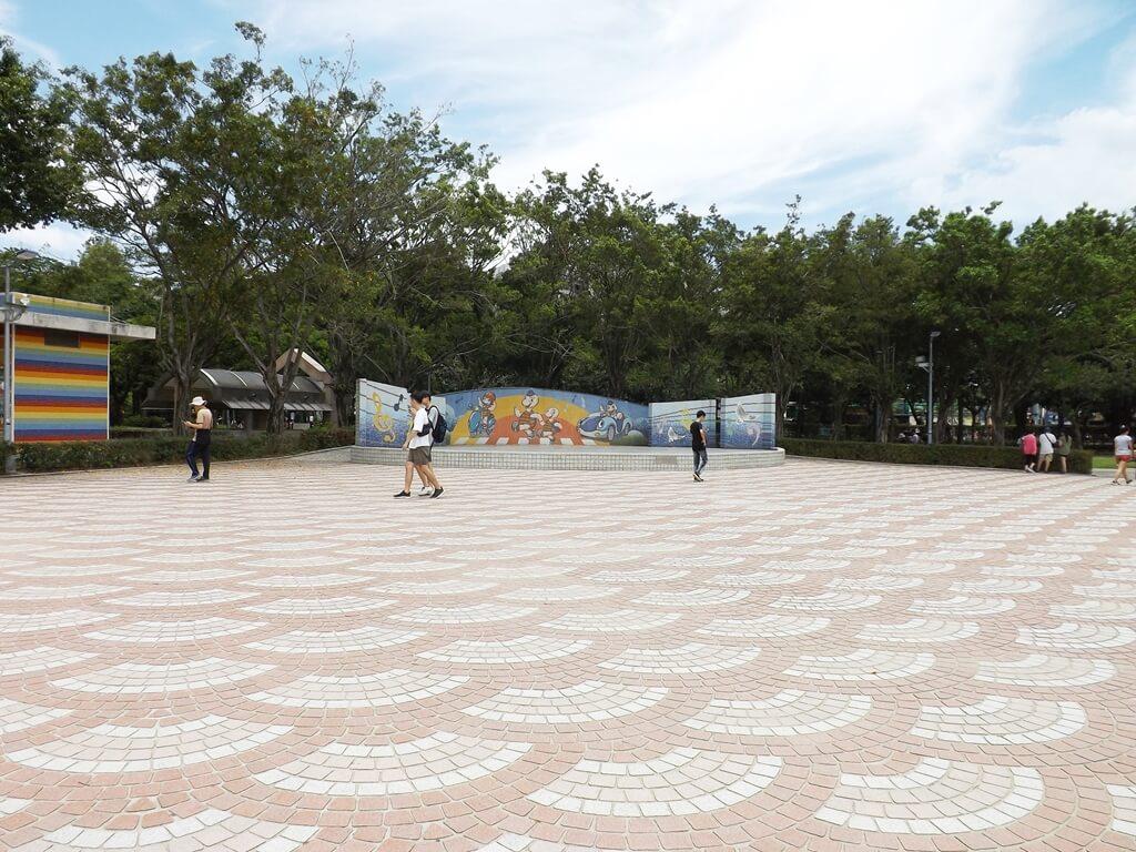 大安森林公園的圖片:沙坑旁的露天廣場