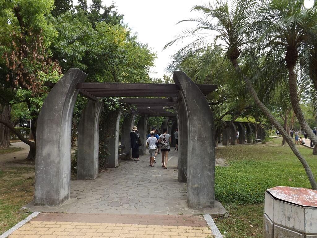 大安森林公園的圖片:水泥花藤架