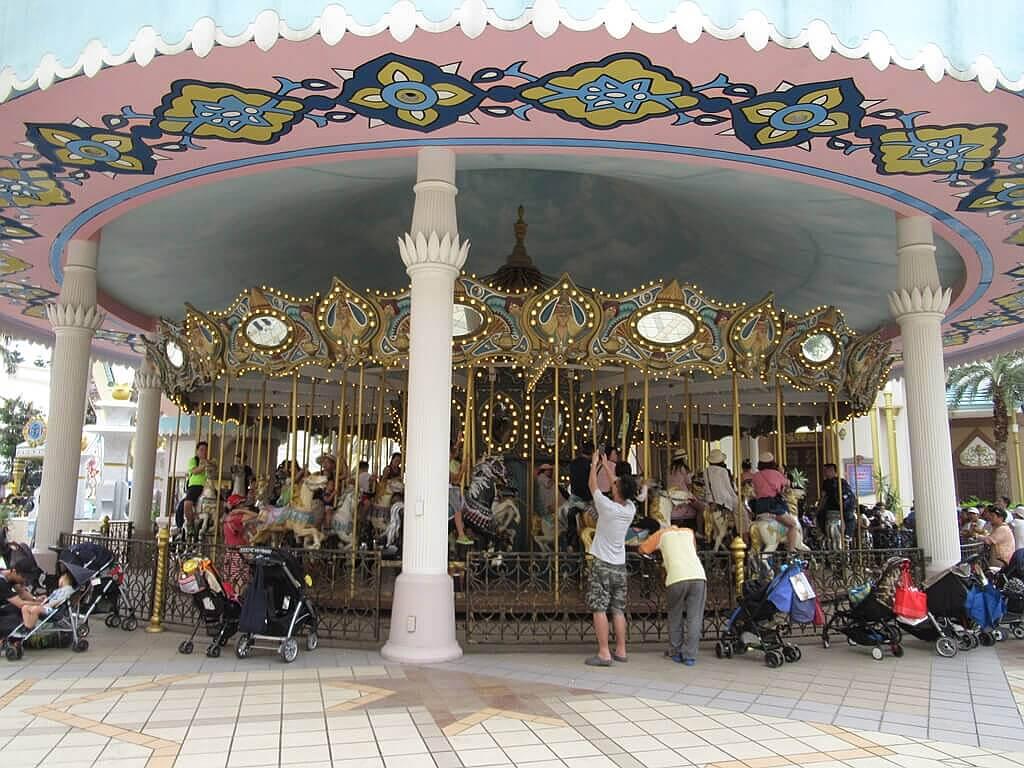 六福村主題遊樂園的圖片:大型旋轉木馬
