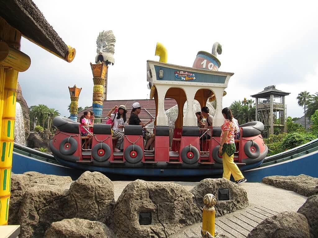六福村主題遊樂園的圖片:搖滾蒸汽船