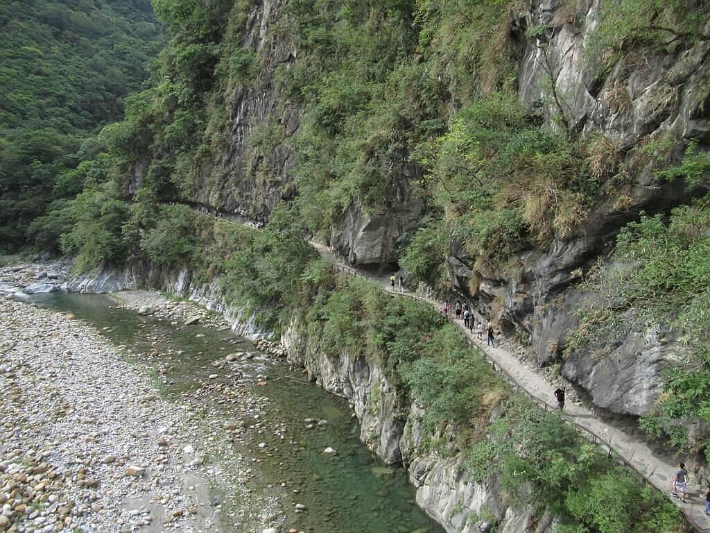 砂卡礑步道(太魯閣國家公園景觀步道)的圖片:砂卡礑大橋向下看砂卡礑步道