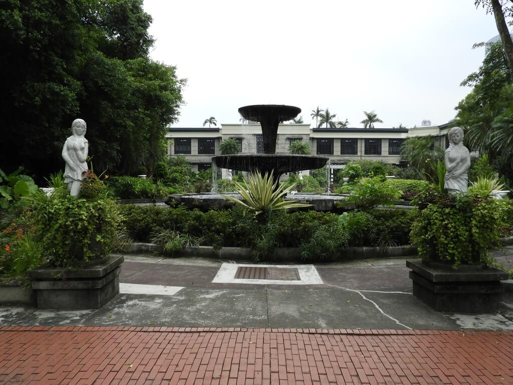 松山文創園區的圖片:中庭的巴洛克式風格庭園造景
