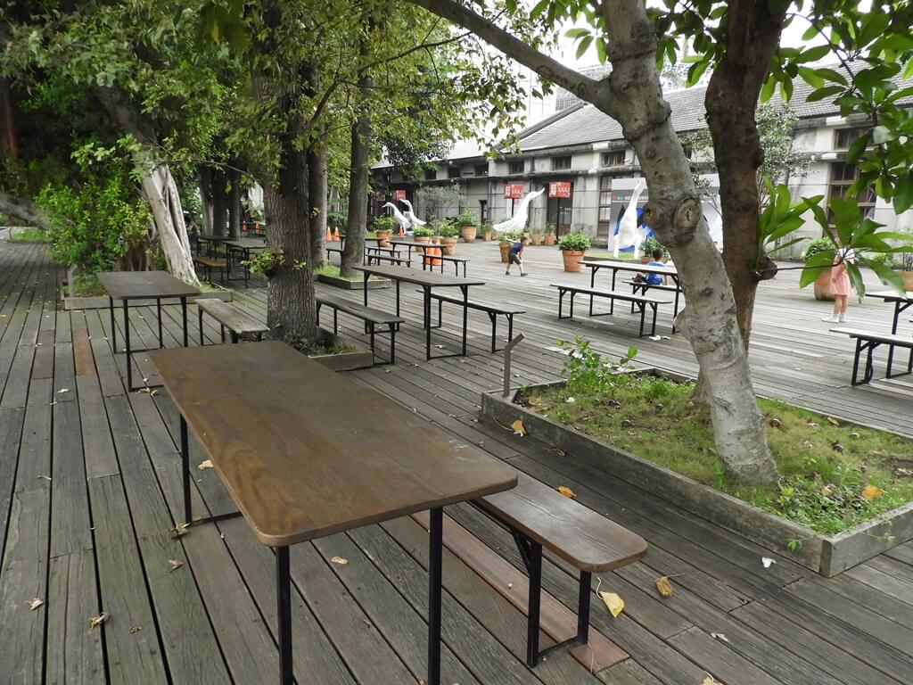 松山文創園區的圖片:戶外座椅區