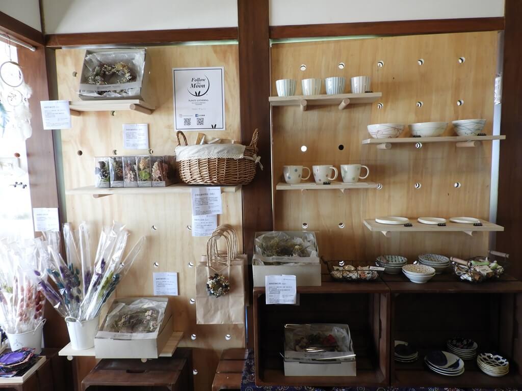 桃園77藝文町的圖片:乾燥花、馬克杯、碗盤