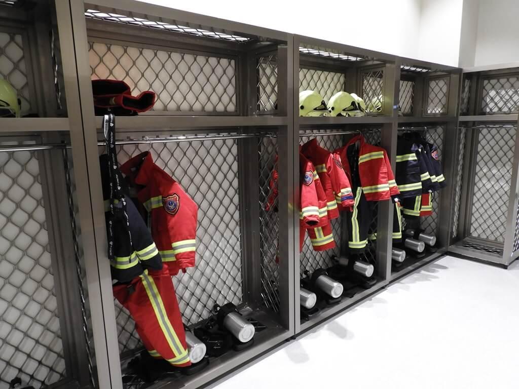 桃園市消防局訓練中心暨防災教育館的圖片:兒童消防衣更衣室