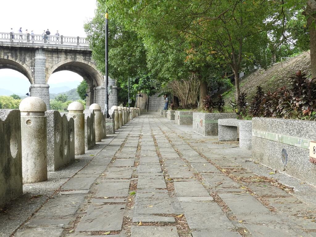 東安古橋(牛欄河親水公園)的圖片:牛欄河濱走道(123655957)