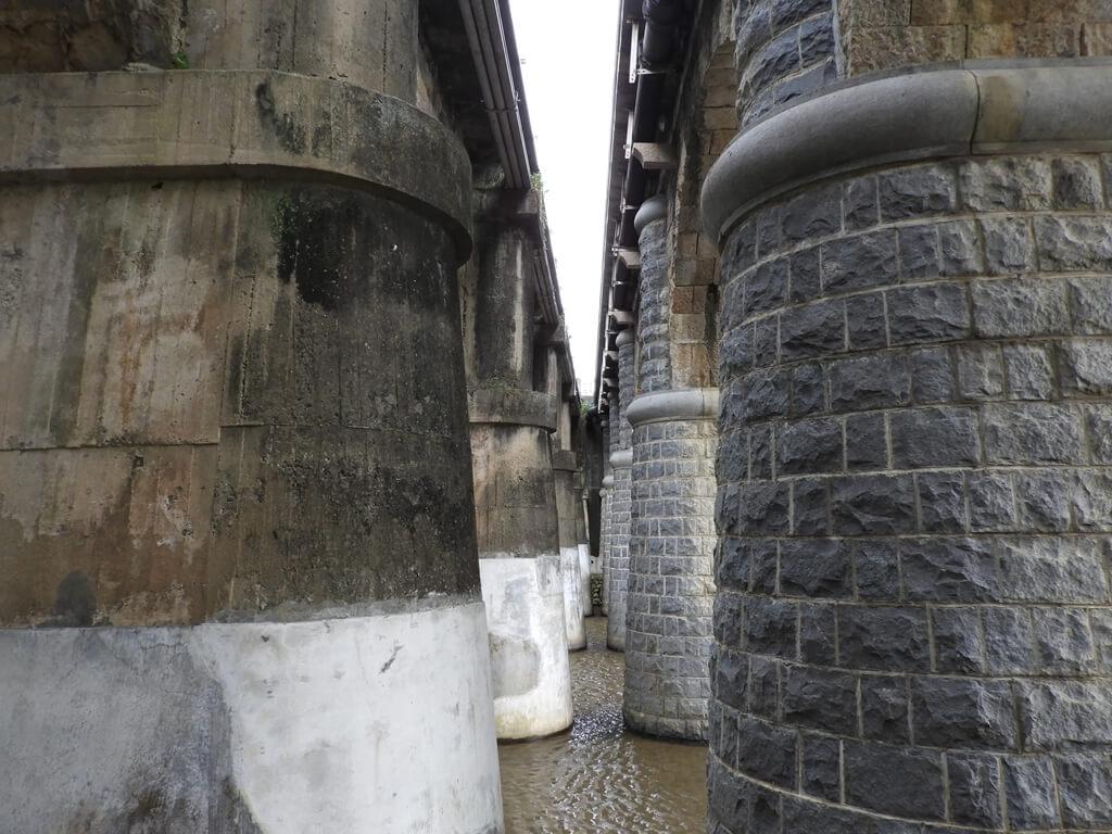 東安古橋(牛欄河親水公園)的圖片:東安古橋的橋墩(123655979)