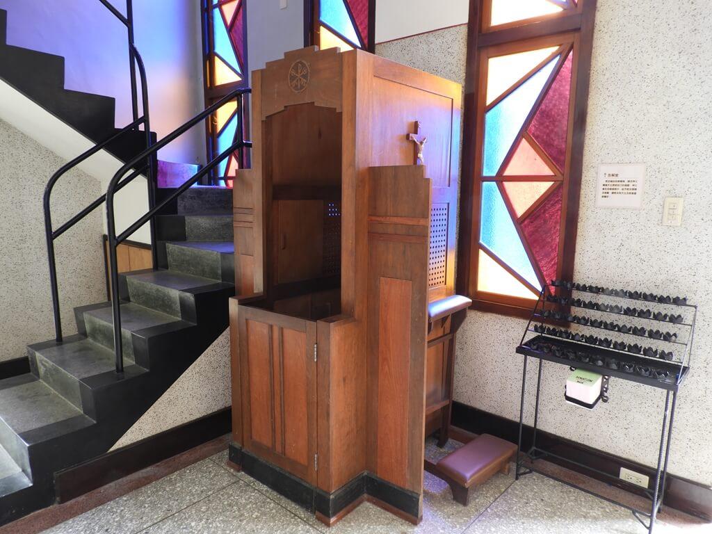 湖口老街的圖片:湖口老街天主堂告解室