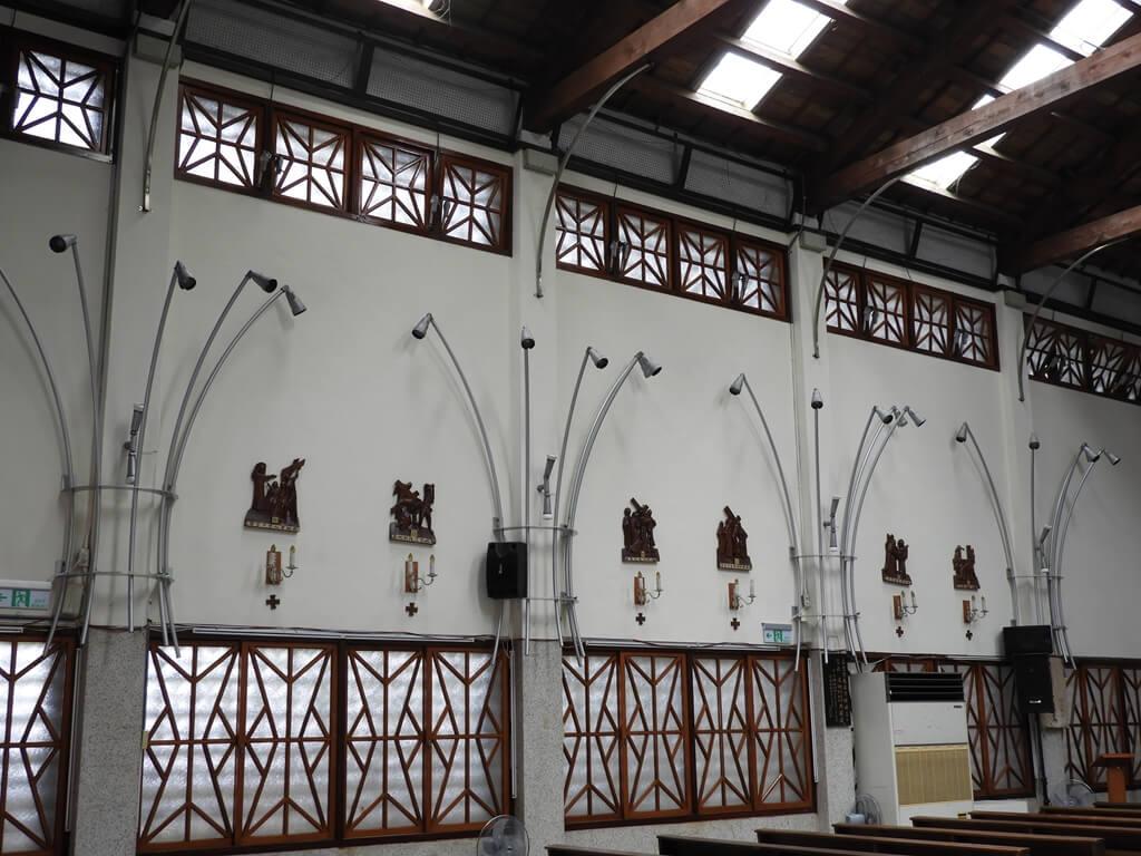 湖口老街的圖片:湖口老街天主堂內的牆面美術