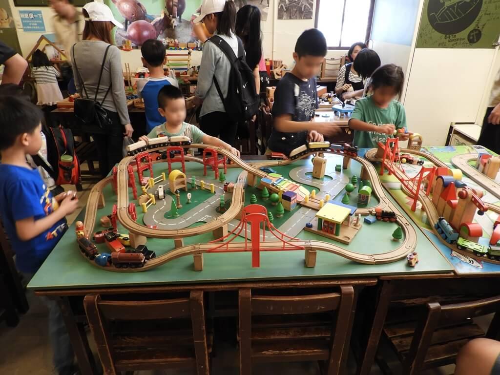 臺灣玩具博物館的圖片:木造火車軌道組