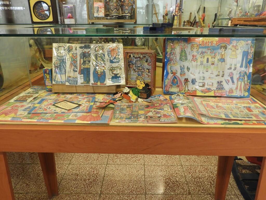 臺灣玩具博物館的圖片:服裝變換紙玩具