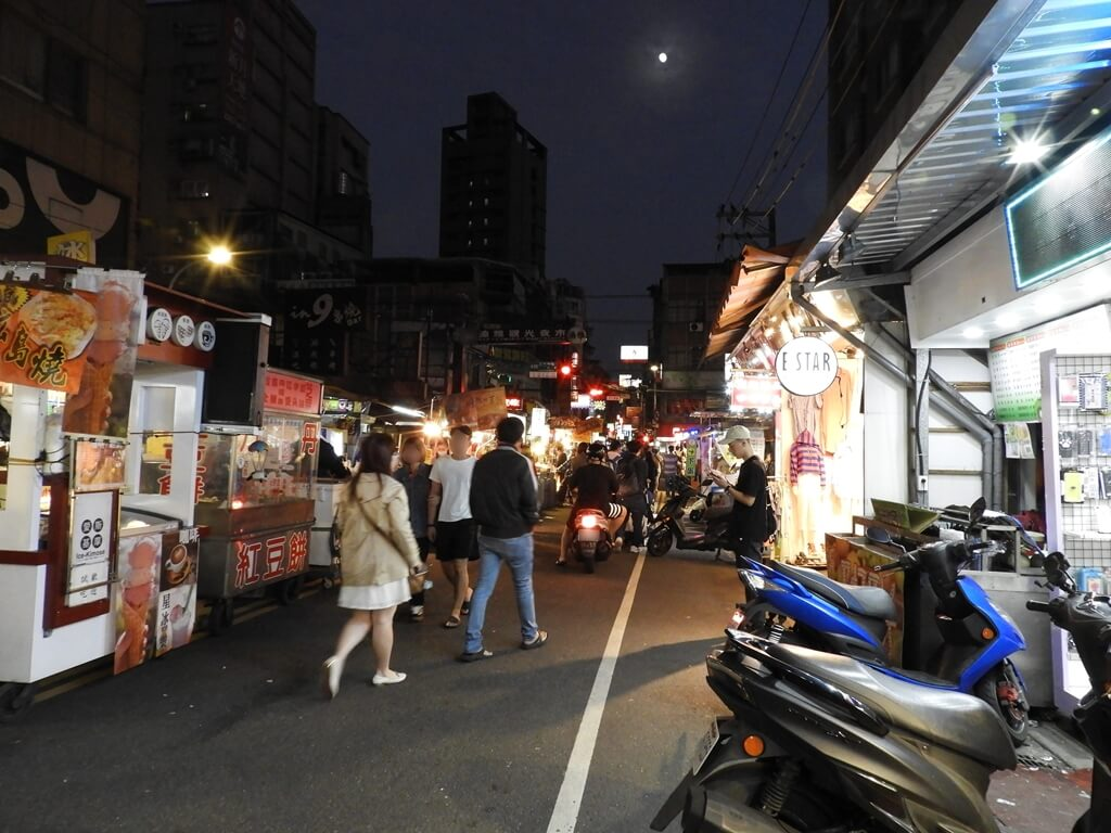 板橋湳雅觀光夜市(南雅夜市)的圖片:夜市人潮(123656824)