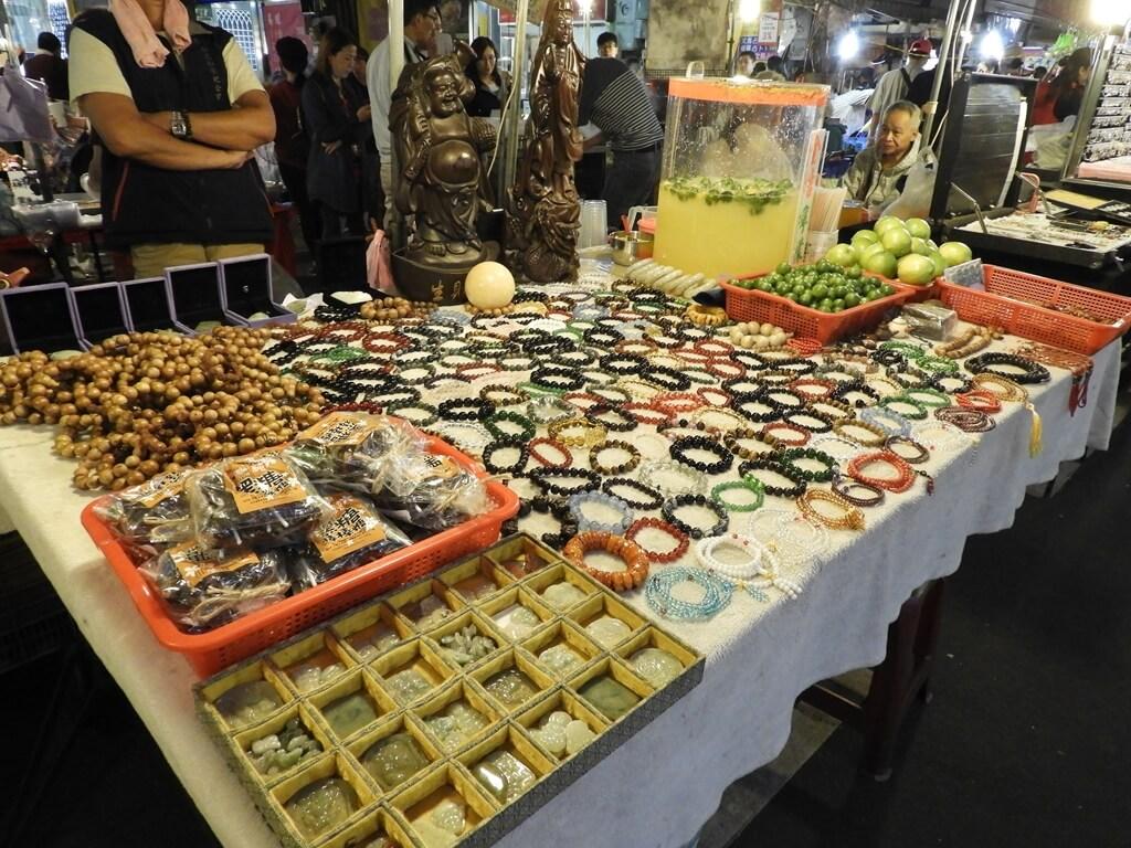 饒河街觀光夜市的圖片:各式佛珠