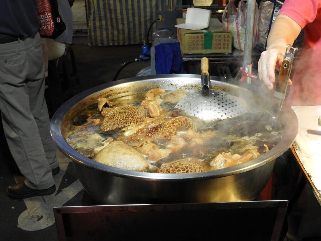 饒河街觀光夜市的圖片:整大鍋滷味