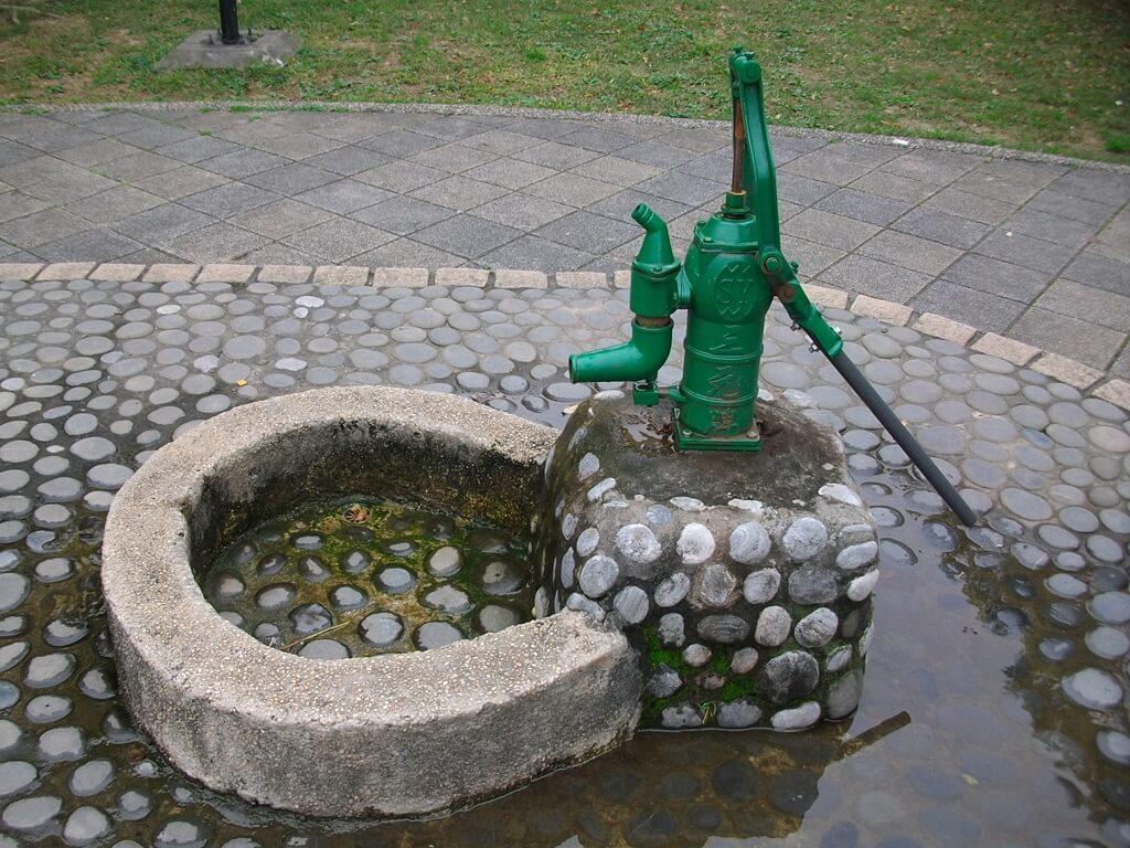 中壢莒光公園的圖片:傳統手壓式水泵