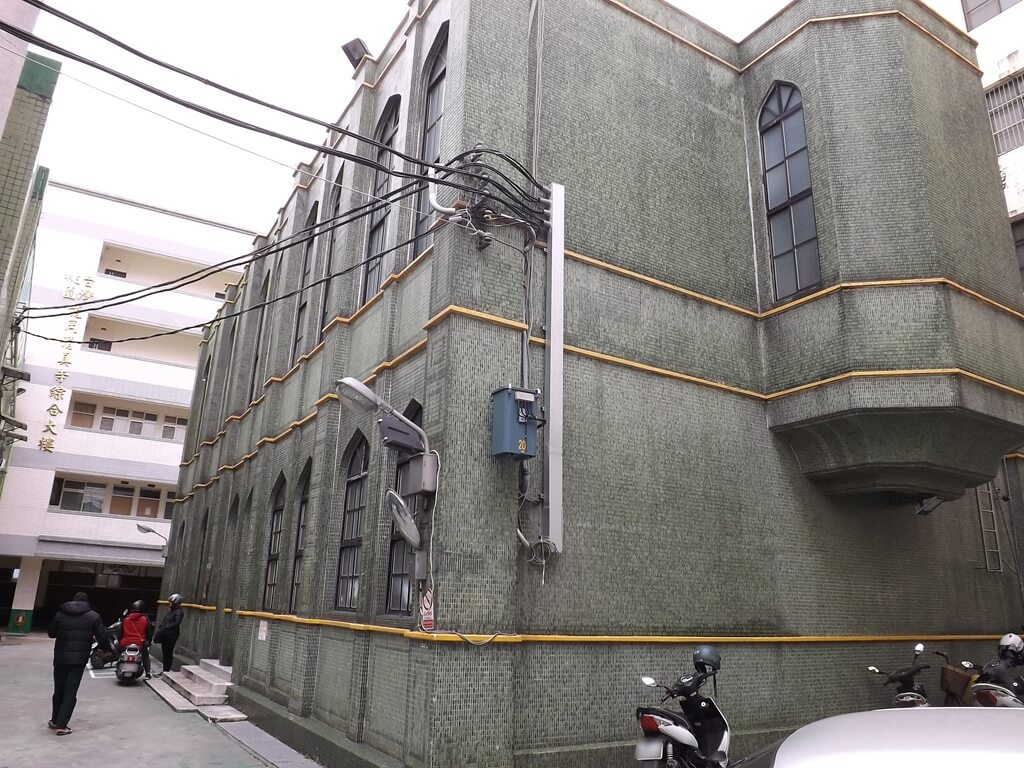 龍岡清真寺的圖片:龍岡清真寺建築側面外觀