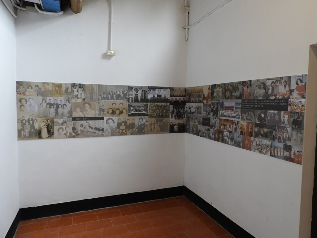 馬祖新村眷村文創園區的圖片:牆壁上舊時期的老照片
