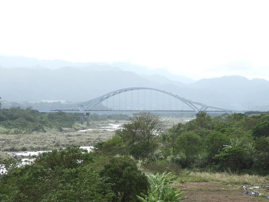 大溪橋的圖片:大溪橋拍攝坎津大橋及遠山 2018