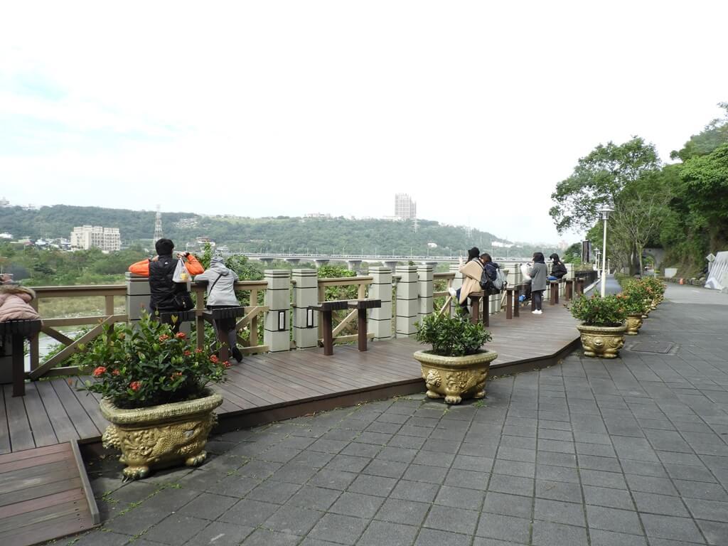 大溪橋的圖片:觀景座位區 2018.12
