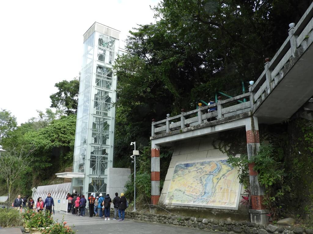 大溪橋的圖片:新建的無障礙電梯
