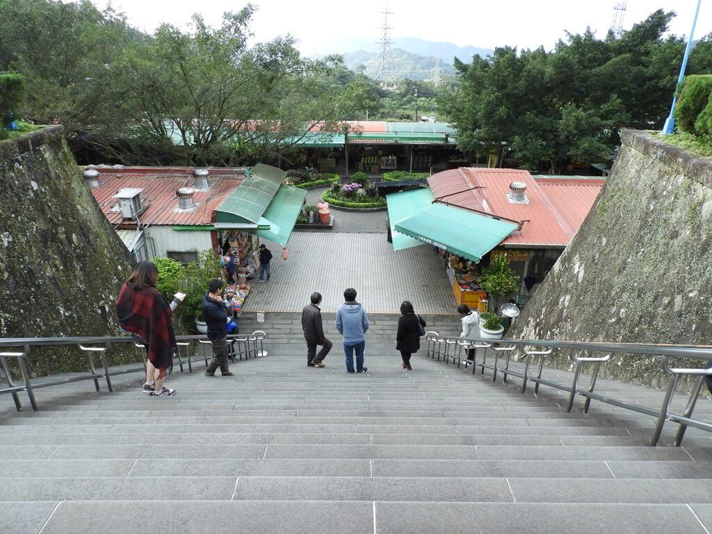三峽行修宮(行天宮三峽分宮)的圖片:行修宮前的大階梯