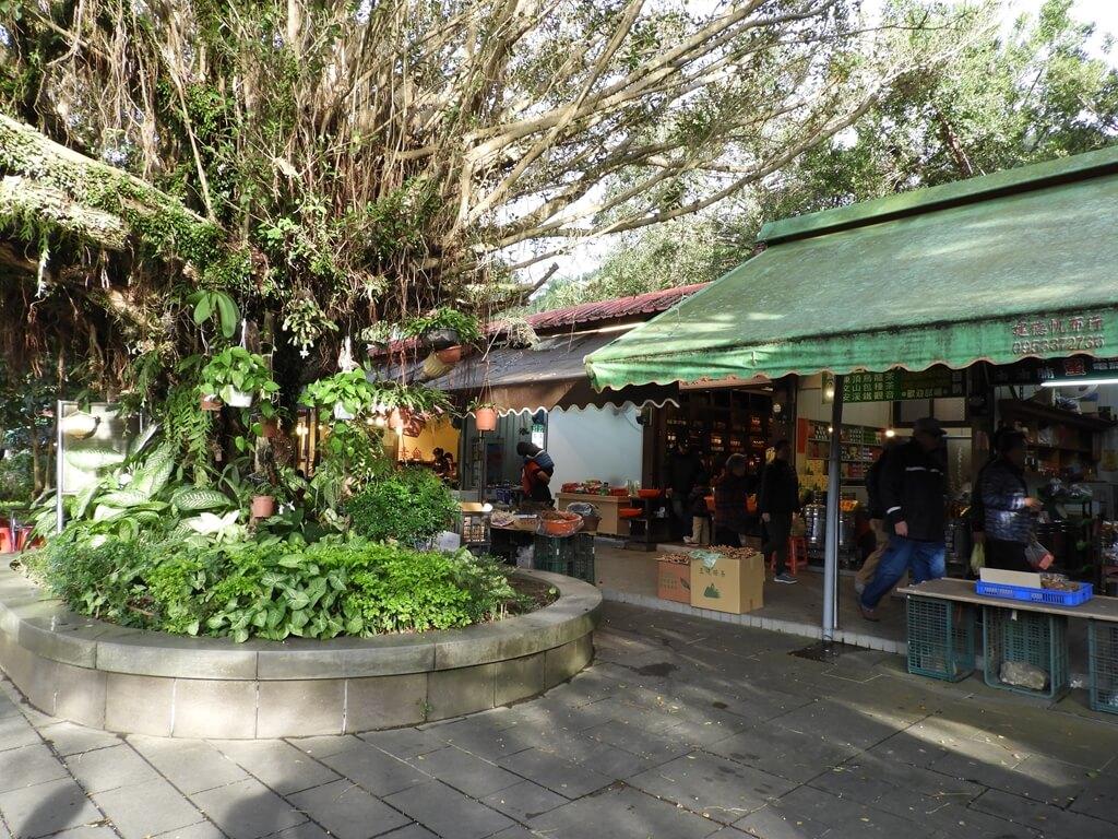 三峽行修宮(行天宮三峽分宮)的圖片:白雞觀光商場(123658205)