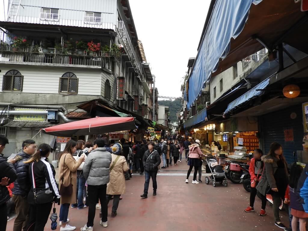 烏來老街的圖片:人潮滿滿的烏來老街