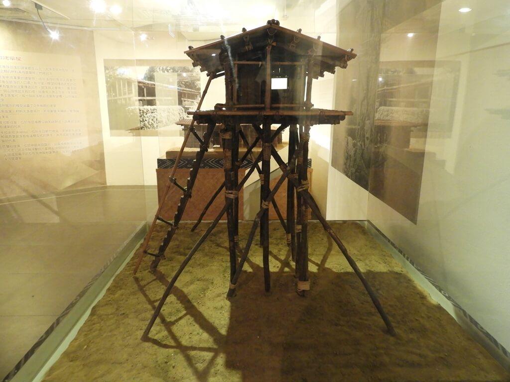 烏來泰雅民族博物館的圖片:望樓,木造高架瞭望台模型側面