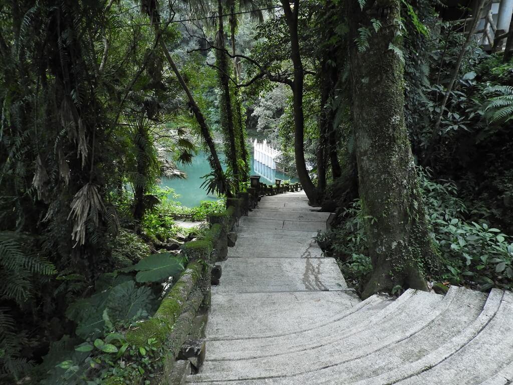 雲仙樂園的圖片:通往雲仙橋的步道